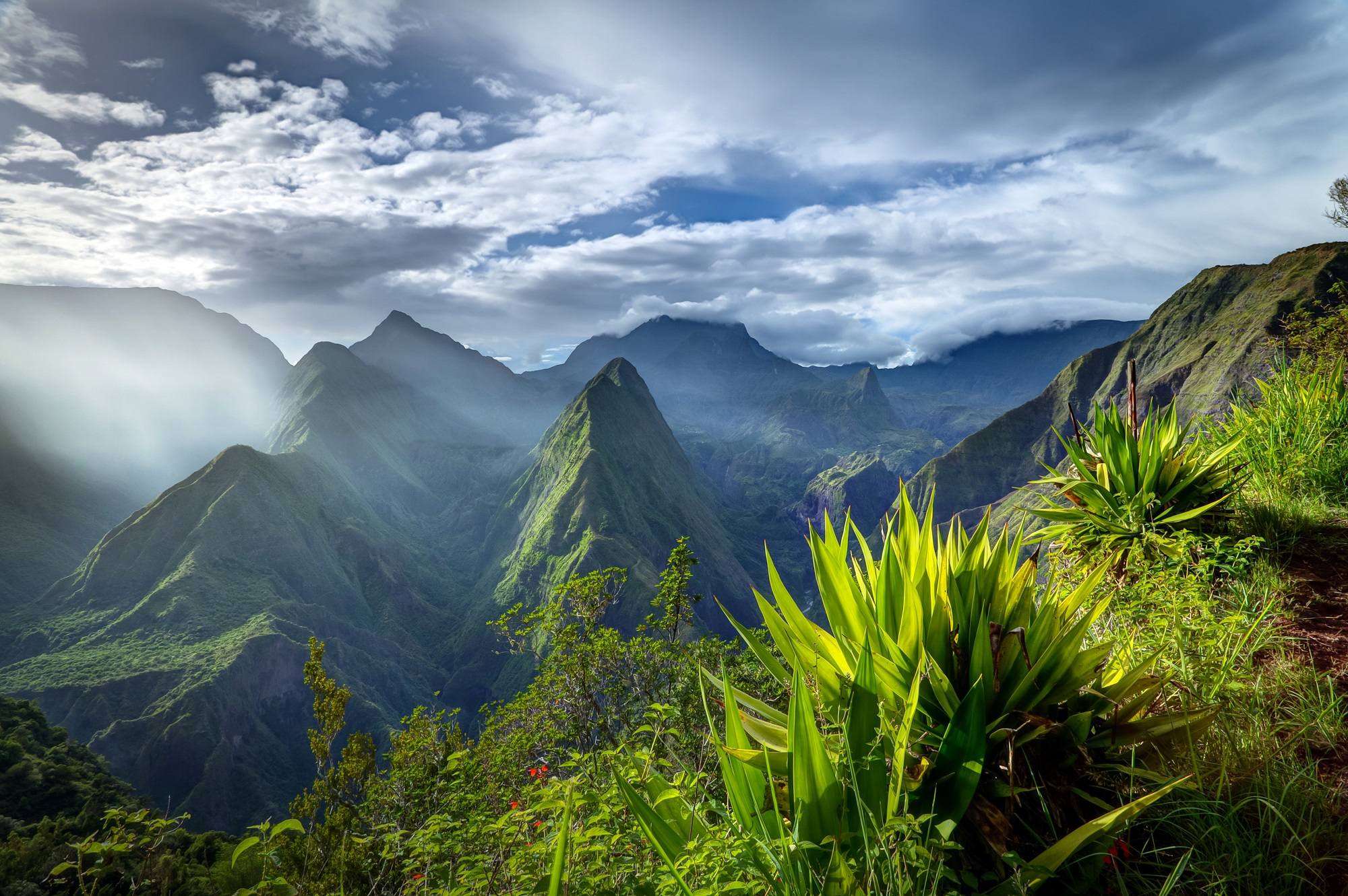 Voyages à la Réunion, Séjour et circuits et Autotours. Les Comptoirs du Monde, agence de voyage pour individuels et groupes