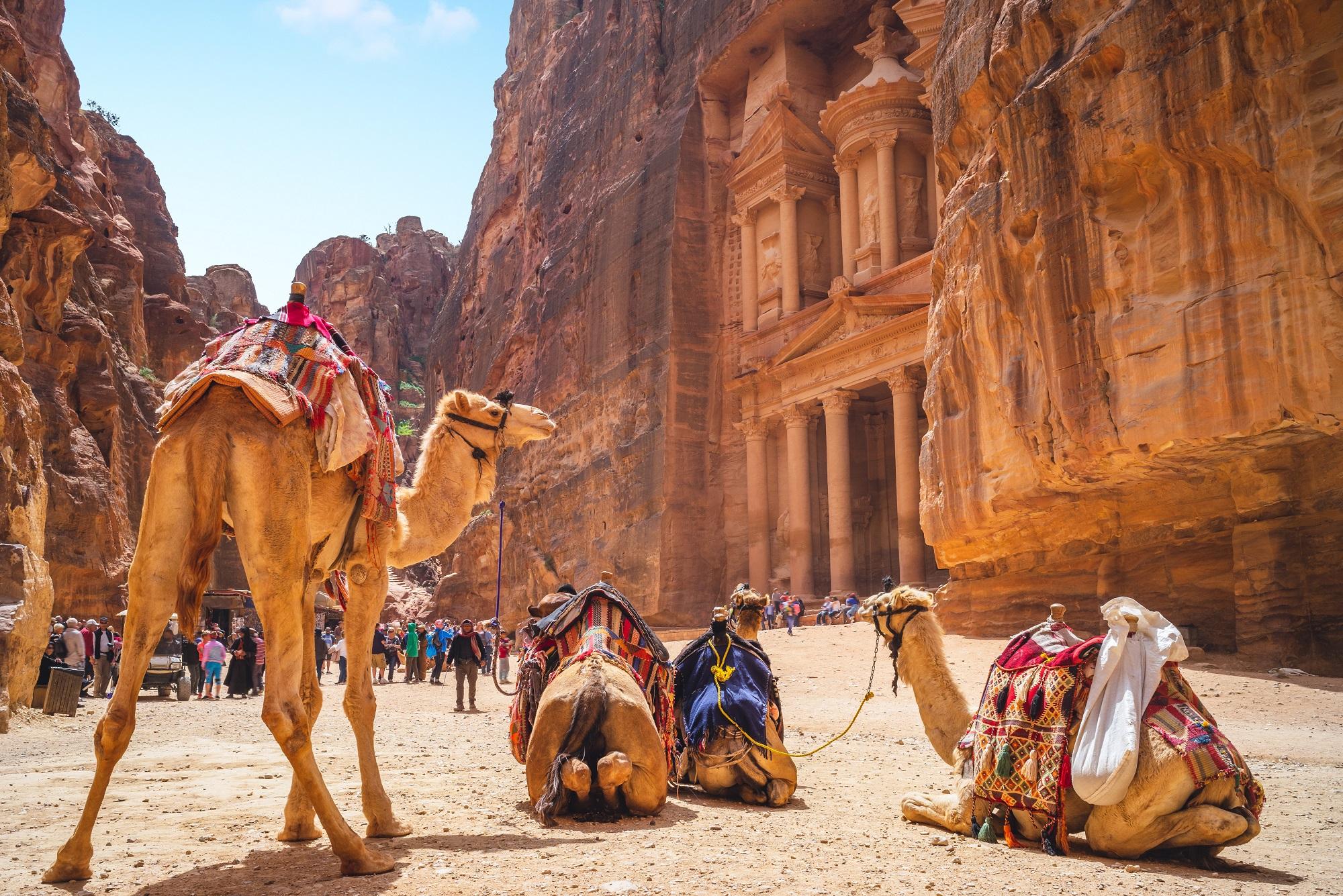 Voyages en Jordanie, Aman, Petra, Aqaba, circuits, séjours, autotours. Agence de voyage Les Comptoirs du Monde, pour individuels et groupes